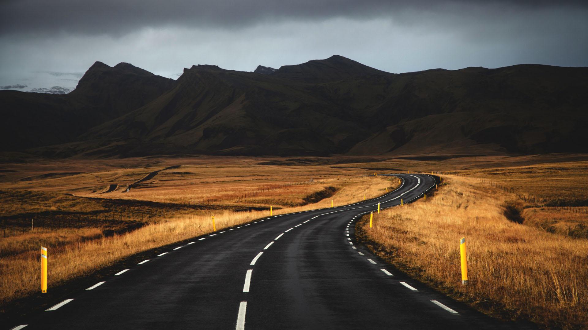 优美公路风景电脑壁纸